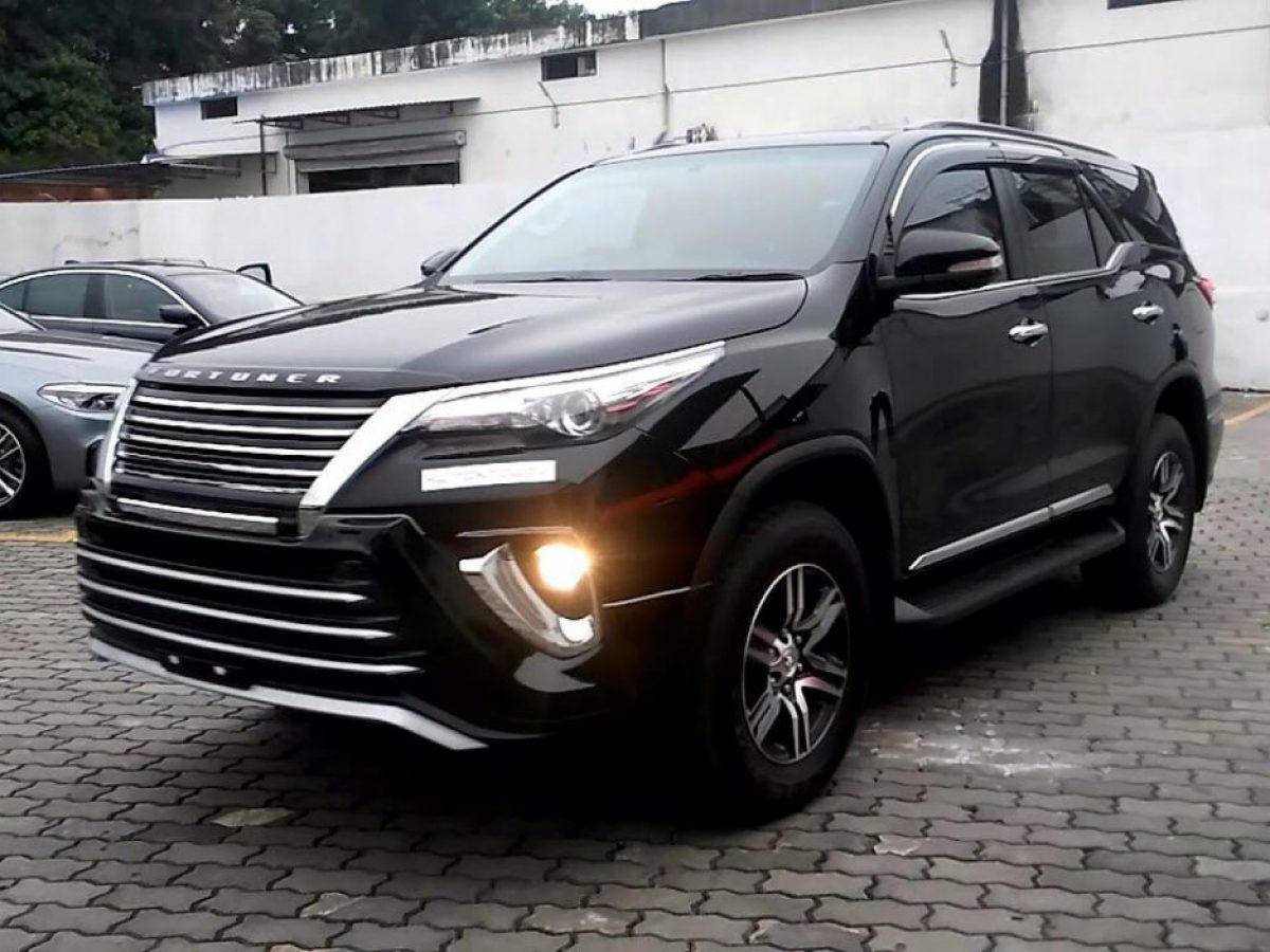 Toyota Fortuner Facelift Spied: Will Unveil In Mid-2020